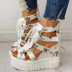 Frauen PU Keil Absatz Sandalen Plateauschuh Keile Peep Toe mit Schnalle Blume Kreuz und quer Schuhe