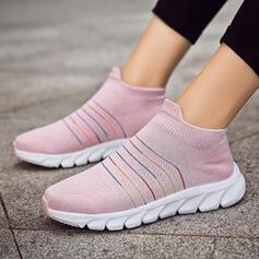 Fliegende Webart mit Hohl-out Spleißfarbe Schuhe