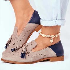 Frauen PU Flascher Absatz Flache Schuhe mit Quaste Spleißfarbe Schuhe