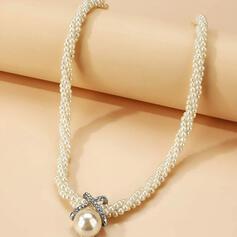 Elegant Legierung Strasssteine Faux-Perlen mit Faux-Perlen Frauen Halsketten 1 PC