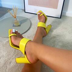 Frauen Kunstleder Stämmiger Absatz Sandalen Absatzschuhe Peep Toe Pantoffel Zehenring Quadratischer Zeh mit Einfarbig Schuhe