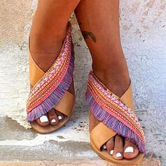 Frauen PU Flascher Absatz Sandalen Peep Toe Pantoffel mit Quaste Spleißfarbe Schuhe
