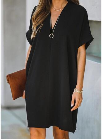 Einfarbig Kurze Ärmel Shift Knielang Kleine Schwarze/Freizeit Kleider