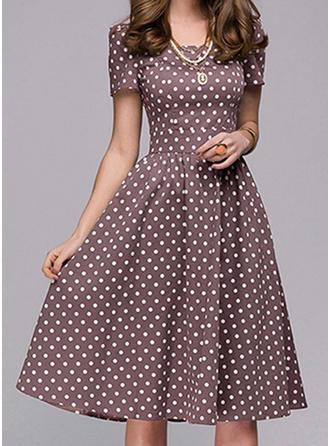 Gepunktet Kurze Ärmel A-Linien Knielang Vintage/Freizeit/Elegant Kleider