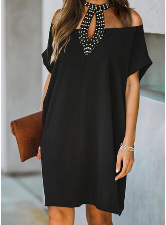 Einfarbig/Perlen Kurze Ärmel Shift Knielang Kleine Schwarze/Elegant Kleider